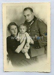 Polizei III. Reich Portraitfoto, Hauptwachtmeister mitSS-Runen Brustabzeichen