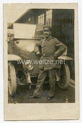 Erster Weltkrieg Fotopostkarte Soldaten vor KFZ