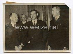 III. Reich Pressefoto. Generalkonsul Wiedemann geht nach San Franzisco. 20.2.1939.