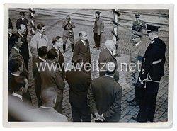 III. Reich Pressefoto - Rudolf Hess bei der Ankunft der Diplomaten zum Reichsparteitag 1938