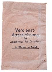 Verleihungstüte für die Verdienstauszeichnung für Ostvölker 2. Klasse in Gold