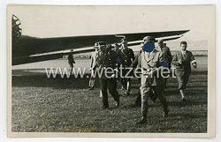 III. Reich Foto, Adolf Hitler auf einem Feldflugplatz