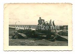 Luftwaffe Foto, notgelandeter mittlerer Bomber