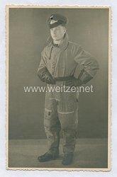 Luftwaffe Foto, Soldat im Fliegeroverall für Flugzeugbesatzungen / Sommeroverall