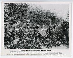 """III. Reich - gedrucktes Pressefoto """" Straßen an der Invasionsfront werden getarnt """" 4.7.1944"""