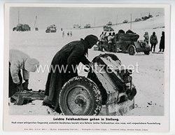 """III. Reich - gedrucktes Pressefoto """" Leichte Feldhaubitzen gehen in Stellung """" 10.2.1944"""