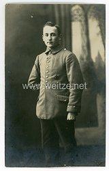 Deutsches Heer Foto, Soldat mit Verwundetenabzeichen in Schwarz