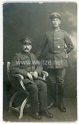 Deutsches Heer Foto, Unteroffizier mit Feldspange und Verwundetenabzeichen in Silber