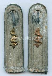 Kriegsmarine Paar Schulterstücke Assistenzarzt der Landeinheiten