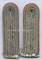 Wehrmacht Heer Paar Schulterstücke Leutnant Artillerie , bzw. Sturmgeschütz