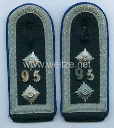 Wehrmacht Paar Schulterstücke für einen Oberfeldwebel Gebirgs-Sanitäter Abt. 95