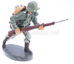 Elastolin - Heer Soldat mit Gasmaske stürmend