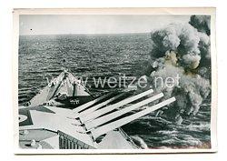 Kriegsmarine Pressefoto, das Bordflugzeug-Auge des Kriegsschiffes