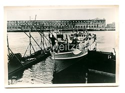 Kriegsmarine Pressefoto, Minensuchboot im Hafen 19.9.1940