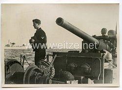 Kriegsmarine Pressefoto, Minensuchboote fahren Geleitsicherung 15.9.1944