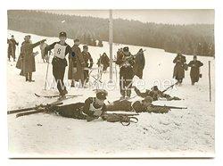 SS-Verfügungstruppe Pressefoto, SS-Männer beim Kleinkaliberschießen während des 18 Km-Patrouillenlaufs 20.2.1938