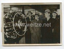 3. Reich Pressefoto: Brasilianische Flieger lernen die Deutsche Luftfahrtindustrie kennen 2.2.1939