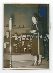 3. Reich Pressefoto: Zum ersten Male saugen ausländische Gäste im Wunschkonzert der Wehrmacht 22.1.1940