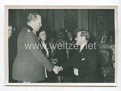 3. Reich Pressefoto: Botschafter Kurusu begrüßt Reichskriegerführer General Reinhardt 30.11.1940