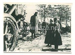Wehrmacht Pressefoto: General der Panzertruppe Model beim Besuch einer Infanteriedivision