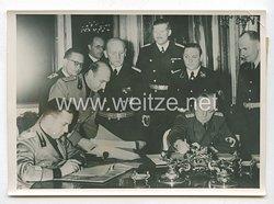 3. Reich Pressefoto: Die feierliche Unterzeichnung des Schiedsspruches von Wien. 3.11.1938