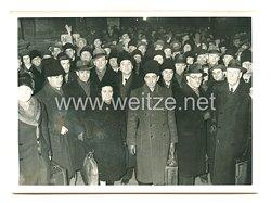 3. Reich Pressefoto: Die Bukarester Philharmoniker in Berlin eingetroffen 8.1.1941