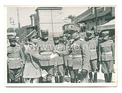 3. Reich Pressefoto: Prinzregent Paul begrüßt Offiziere
