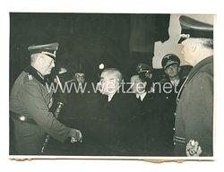 Wehrmacht Pressefoto: Generalfeldmarschall Keitel und eine japanische Delegation