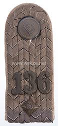 Preußen Einzel Schulterstück Feldgrau für einen Oberleutnant im 4. Lothringischen Infanterie-Regiment Nr. 136
