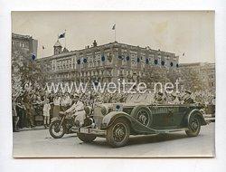 3. Reich Pressefoto: italienischer Außenminister Graf Ciano wird von der Berliner Bevölkerung begrüßt