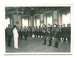 3. Reich Pressefoto: Reichsminister Dr. Goebbels begrüßt die italischen Teilnehmer an der Freundschaftsfahrt
