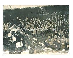 3. Reich Pressefoto: Reichsminister Dr. Goebbels hält eine Rede