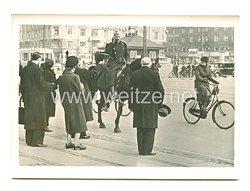 3. Reich Pressefoto: Täglich unternimmt König Christian einen Austritt durch Kopenhagen 19.4.1940