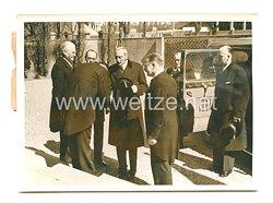 3. Reich Pressefoto: König Christian besucht das deutsche wissenschaftliche Institut in Kopenhagen 10.5.1941