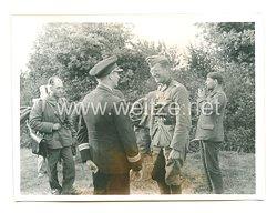 Kriegsmarine Pressefoto: Kriegsmarine Pressefoto: Krieg im Westen Marineoffiziere bei der Rast (Frankreich)