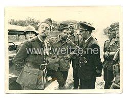 Kriegsmarine Pressefoto: Verhör von französischen gefangenen südlich der Loire (Frankreich)
