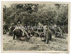 Wehrmacht Pressefoto: französische gefangene bei La Jaille (Frankreich)