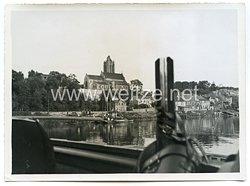 Wehrmacht Pressefoto: Pioniere beim Oise Übergang auf den Weg nach St-Denis / Paris (Frankreich)