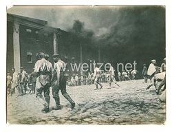 1. Weltkrieg Deutsches Heer Pressefoto: Vor der brennenden Zitadelle in Brest-Litowsk