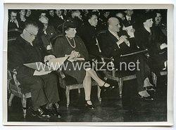 3. Reich Pressefoto: Josef Weinheber, Lina Seidel und Hirko Jelusich erhalten den Dichterpreis der Stadt Wien 17.1.1941