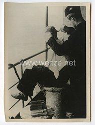 Kriegsmarine Pressefoto: Matrose auf Achterdeck 5.10.1940
