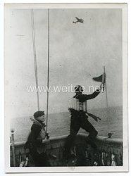 Kriegsmarine Pressefoto: Britisches U-Boot wird in der Tiefe gehämmert 10.5.1943
