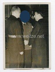 3. Reich Pressefoto: Der Führer Adolf Hitler im Gespräch mit Ministerpräsident Zwetzokitsch 25.3.1941