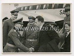 3. Reich Pressefoto: Gesandte des Diplomatischen Korps empfangeneinen Delegation