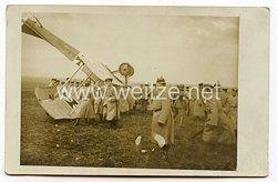 1. Weltkrieg Fliegerei: Foto eines abgestürzten deutschen Flugzeuges