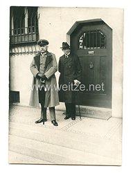 Weimarer Republik Foto, General von Hindenburg während des Vorbeimarsches der Vaterländischen Verbände