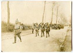 1. Weltkrieg Deutsches Heer Foto, Paul von Hindenburg marschiert mit einem Regiment auf