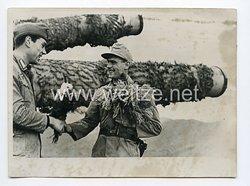 Kriegsmarine Pressefoto: Schwere deutsche Marine-Artillerie am Mittelmeer