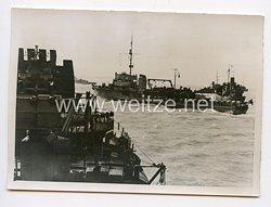 Kriegsmarine Pressefoto: Hochbetrieb bei den Minensuchern 23.8.1944