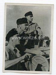 Kriegsmarine Pressefoto: An der Schnellfeuerkanone einer Kampfähre der Kriegsmarine 28.8.1944